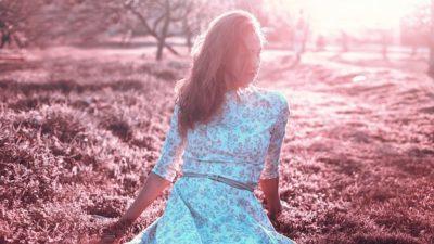 7分袖のドレスはロマンティック