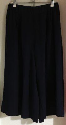 紺のワイドパンツ、ミモレ丈
