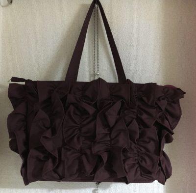 フリルいっぱいのロマンティックなバッグ