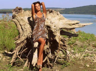 ヒョウ柄のドレス