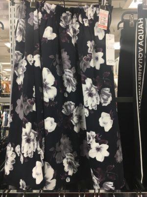 ロマンスタイプのスカート3
