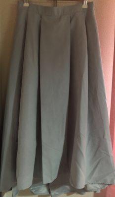 ロマンスタイプでストレートのスカート