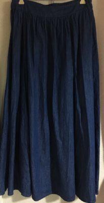 ロマンスタイプのデニムスカート
