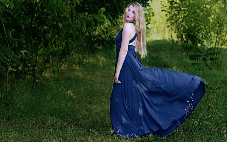 体の線が美しく見えるドレス