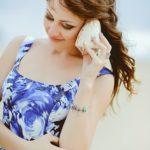 ロマンスタイプの花柄のドレス、ブルー