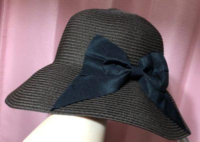 ロマンスタイプの帽子、チョコレートブラウン