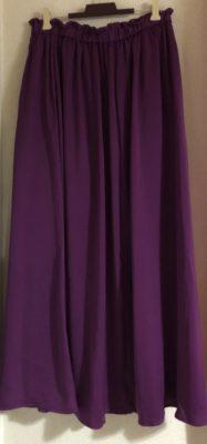 ロマンスタイプのボリュームスカート、GU
