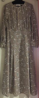 ロマンスフェミニンなドレス、ワンピース