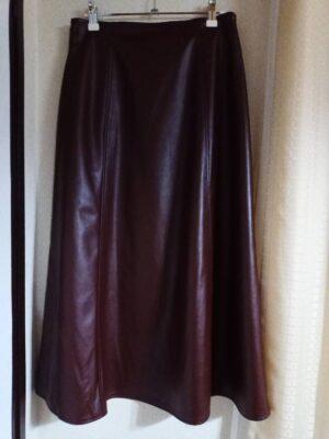 GU、ロマンスタイプのスカート